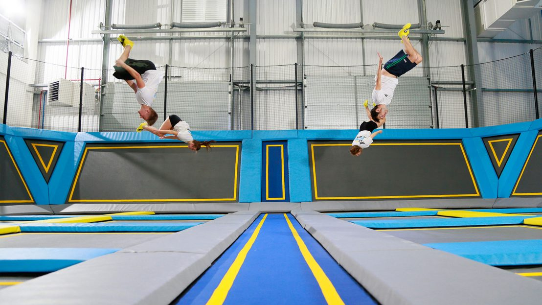 Freejumping-trampolining-activity