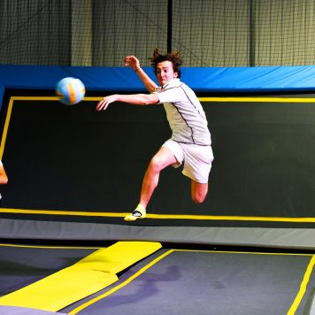 Trampoline dodgeball epic thrown